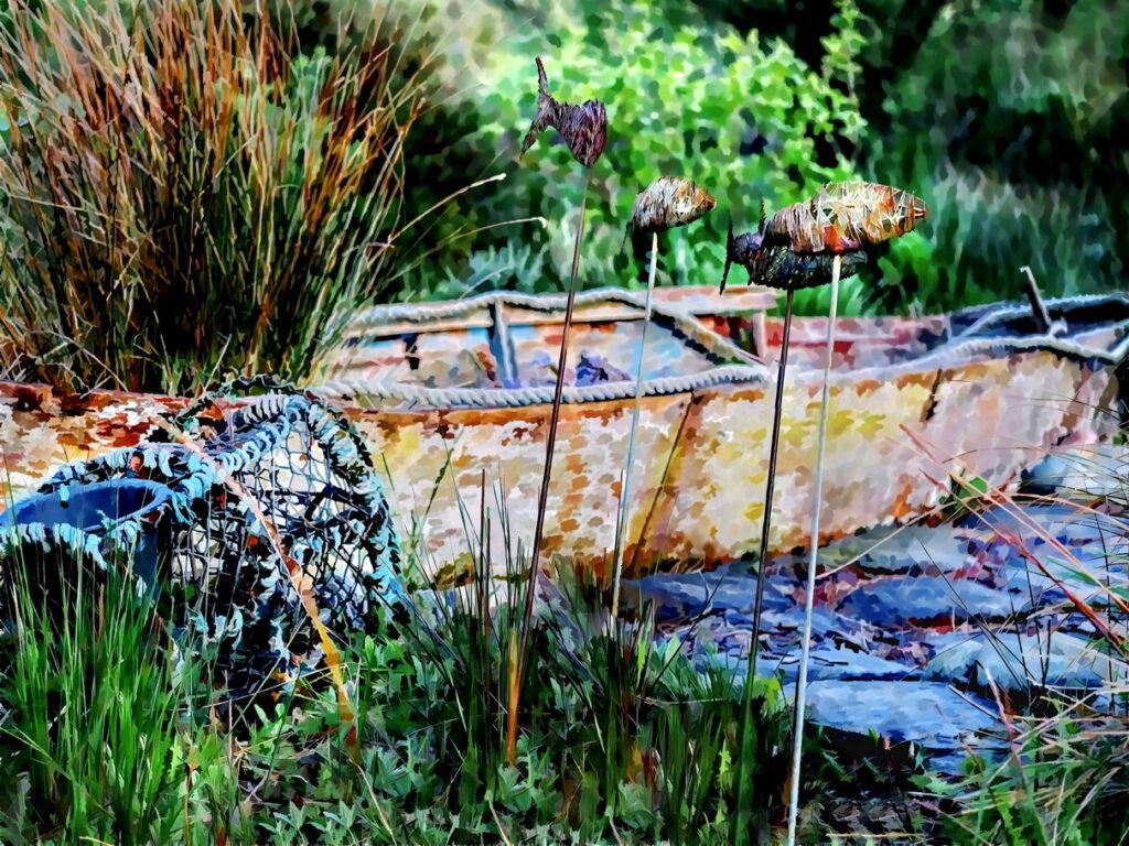 Yr Hafan Gardens- Fish and boat