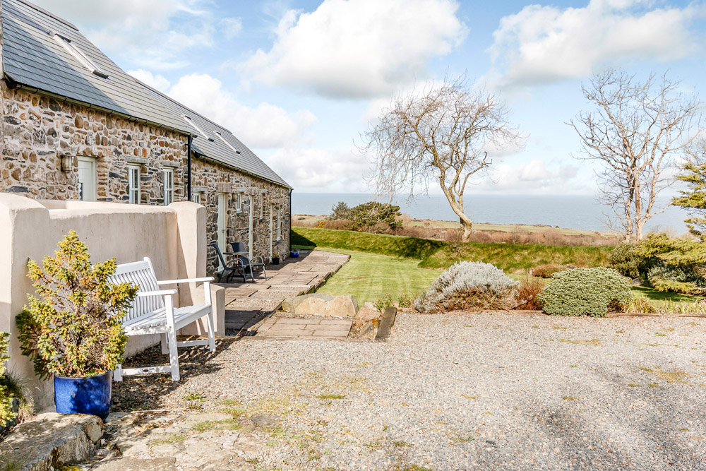 Yr Hafan - Abercastle Barn Suite - Boutique Bed & Breakfast with sea views