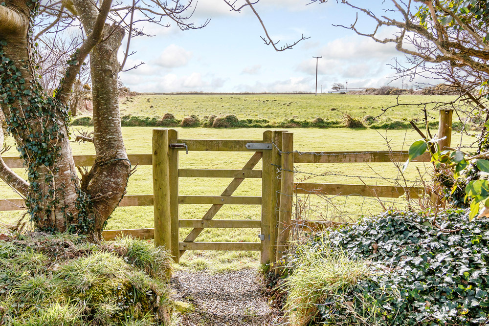 Yr Hafan surrounded by countryside, fields and sea views towards Strumble Head