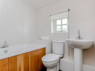 Yr Hafan - Pencaer Self Catering Cottage ground floor bathroom