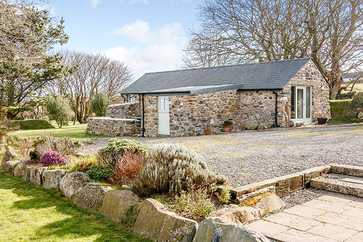 Penberi Cottage with stunning sea views out towards Strumble Head