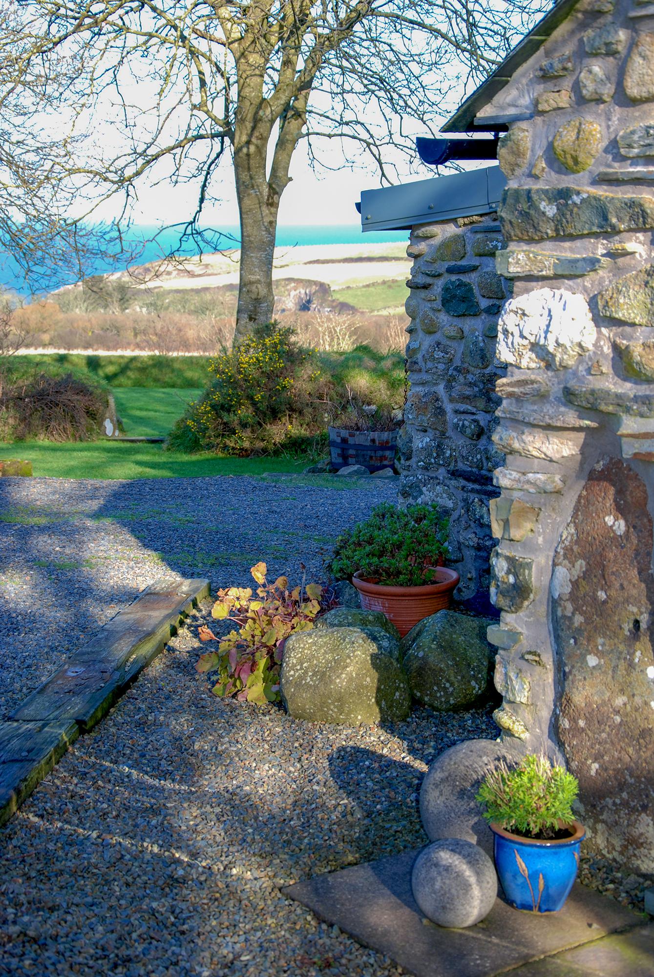 Yr Hafan- Penberi Self Catering Cottage set in 1.6 acres of landscaped garden