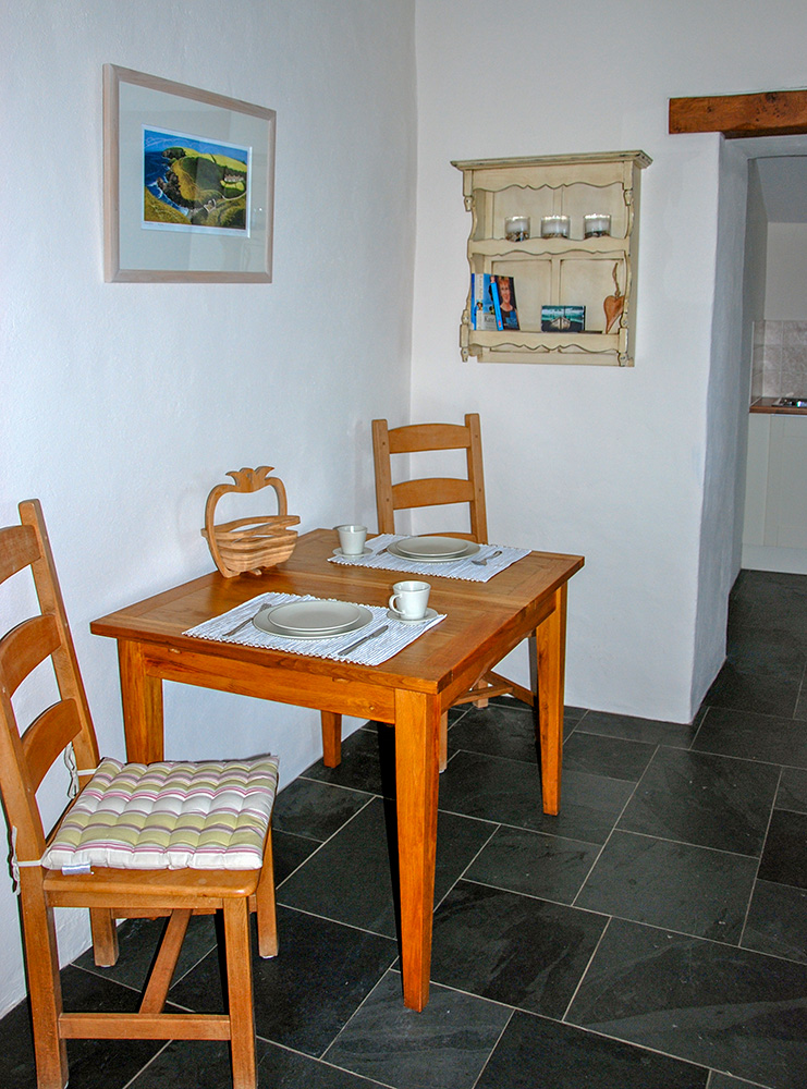 Yr Hafan Pencaer Self Catering Cottage Lounge/ Diner with sea views