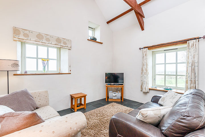 Pencaer stone holiday Cottage with stunning sea views towards Strumble Head