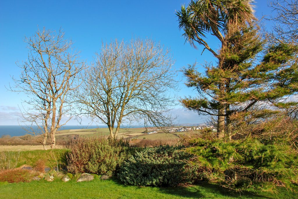 Yr Hafan -Pencaer Self Catering Cottage enjoying sea views towards Strumble Head