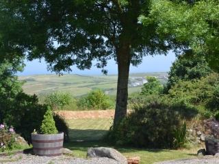 Yr Hafan - Summer in the garden and sea views towards Pencaer Head