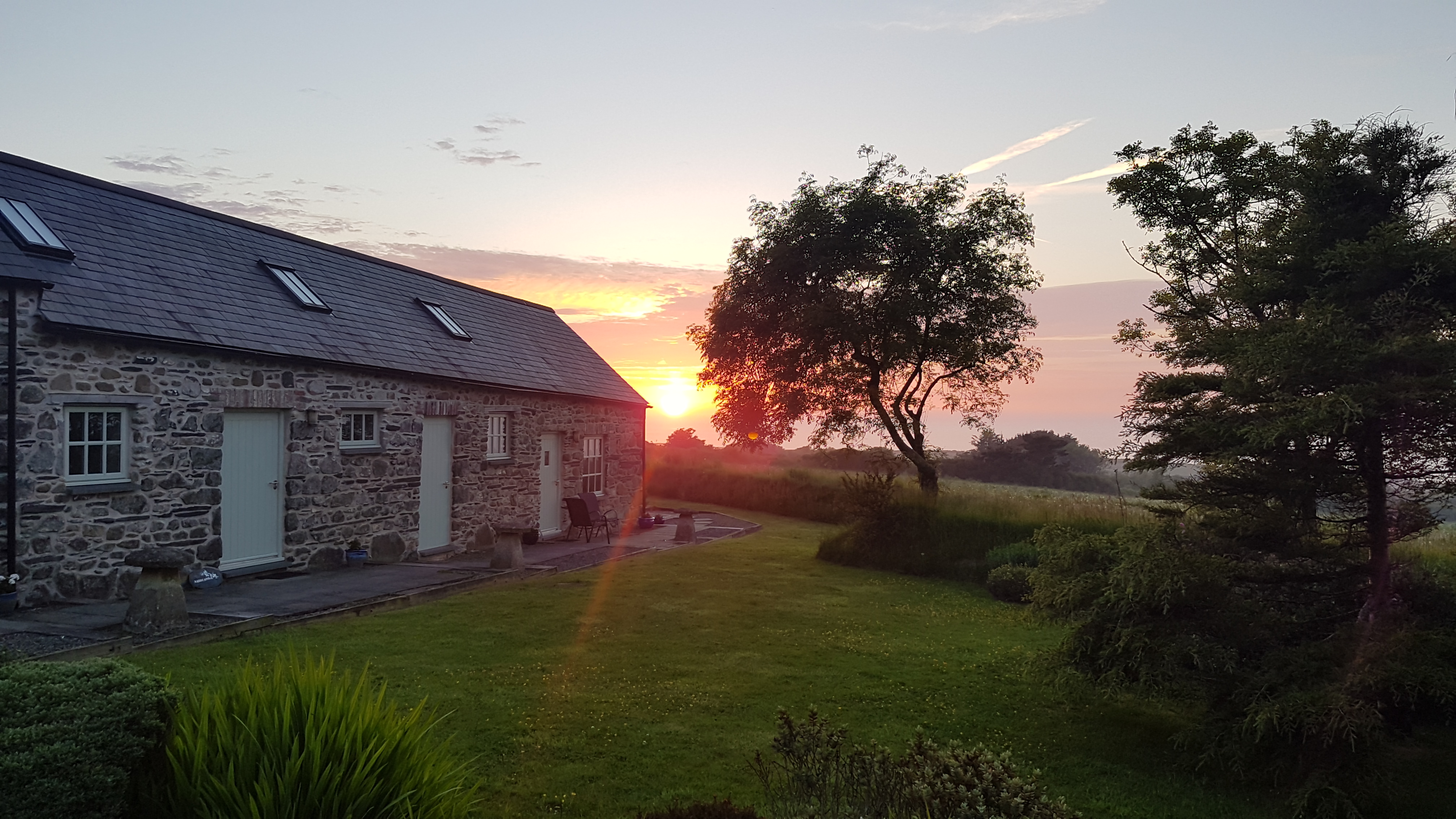 Yr Hafan -fabulous North Pembrokeshire Sunsets