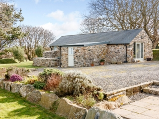 Yr Hafan- Penberi Self Catering Cottage set in 1.6 acres of landscaped garden with sea views towards Strumble Head